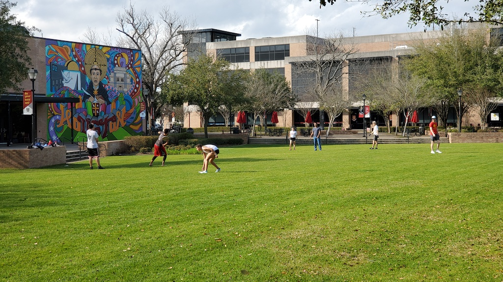 Discovering Houston, Texas USA - Students at St. Thomas University